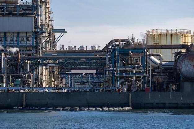 Oil petrochemical factory Premium Photo