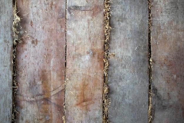 뒤에서 건초와 오래 된 보드 벽, 천장, 바닥 배경 텍스처 무료 사진