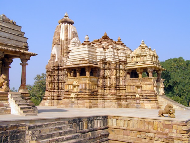 Old erotic temple in khajuraho, madhya pradesh Premium Photo