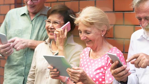Old people on social media Premium Photo