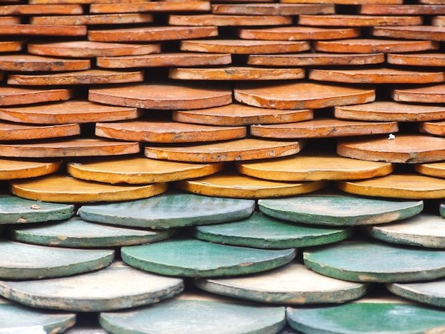 Old red brick roof tiles Premium Photo