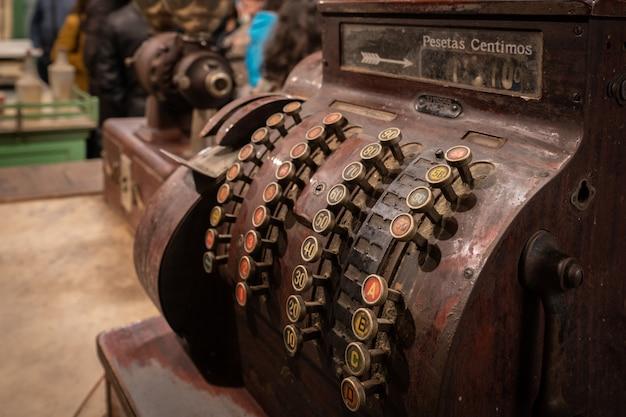 Old store register machine Premium Photo