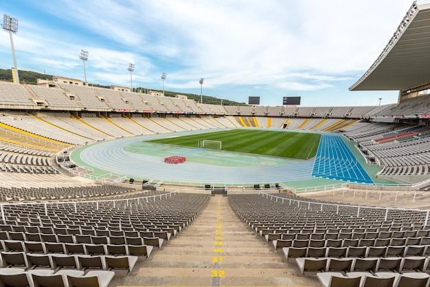 Олимпийский стадион барселона, испания Premium Фотографии