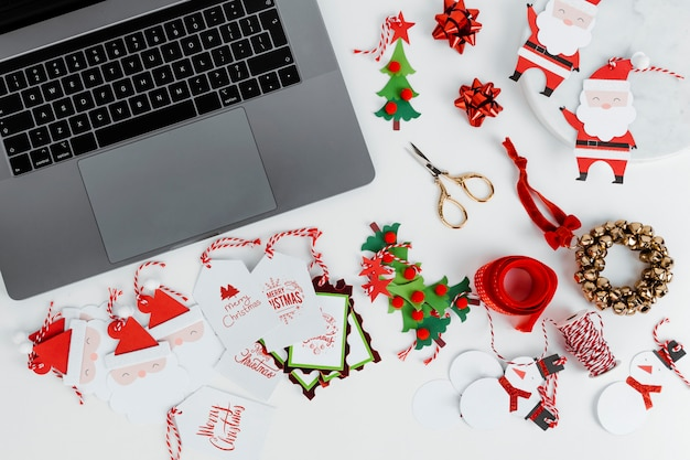 Online christmas shopping Free Photo