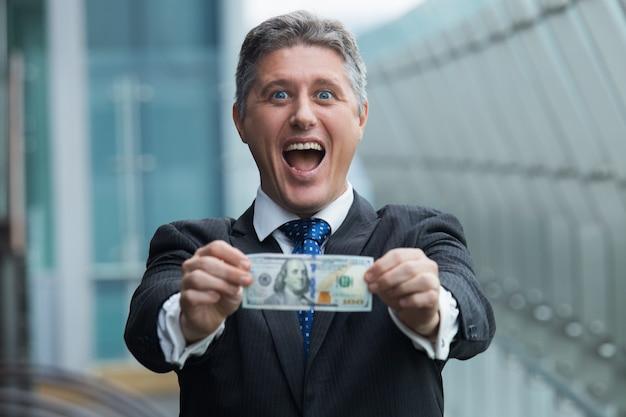 open bill businessman business man Free Photo