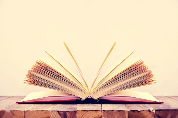 Open book. Free Photo