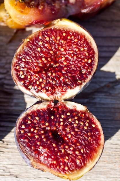 Open figs Premium Photo