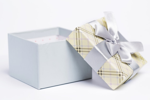 Open present package Free Photo