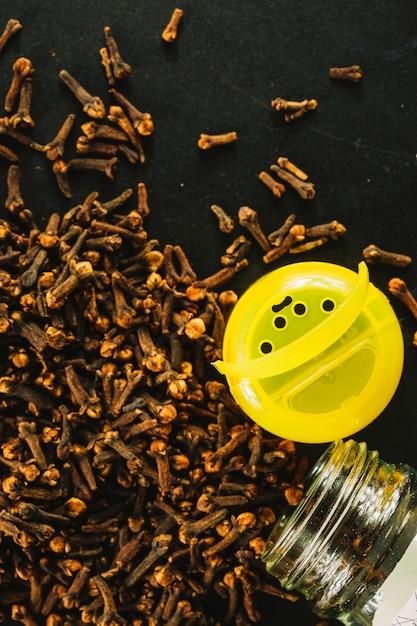 Opened jar near cloves 23 2147773535