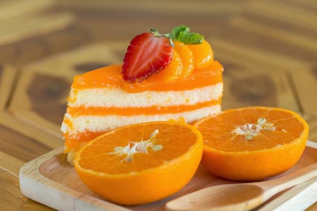 Orange cake with orange topping Premium Photo