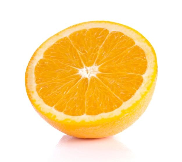 Оранжевый на белом фоне. Premium Фотографии
