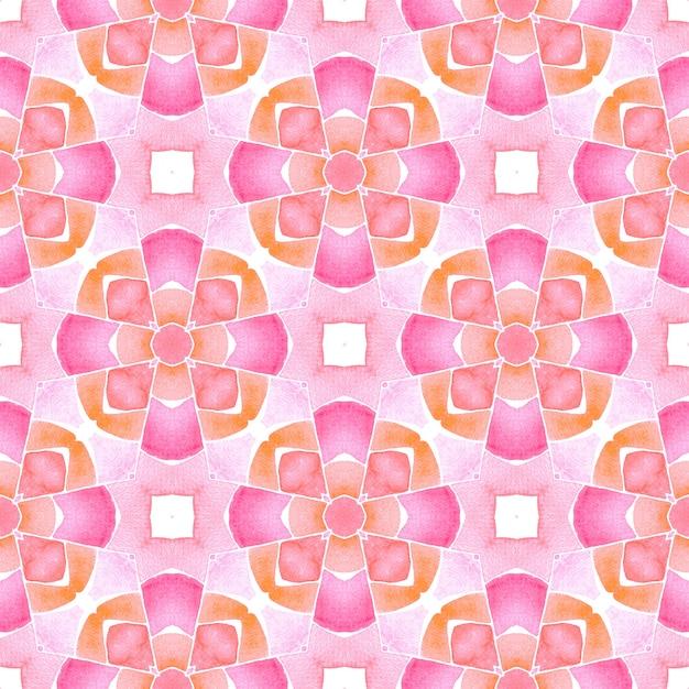 オレンジ色の心地よい自由奔放に生きるシックな夏のデザイン。水彩メダリオンシームレスボーダー。メダリオンシームレスパターン。 Premium写真