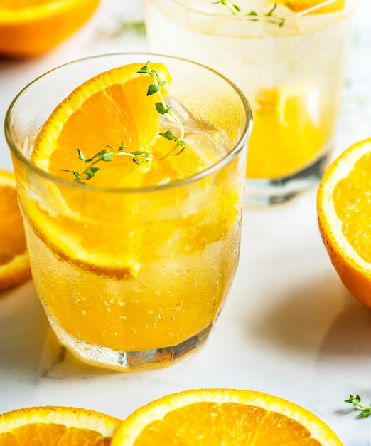 Orange and thyme infused water recipe Free Photo