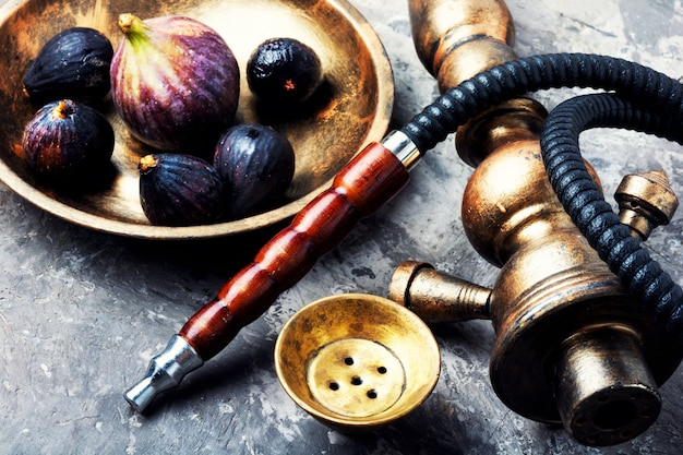 Oriental summer shisha with figs Premium Photo