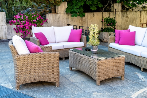 Outdoor patio table and chair Premium Photo