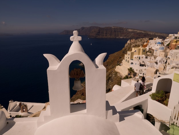 Overview of buildings in santorini greece Premium Photo