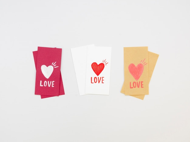 Pack of lovely valentine tags Free Photo