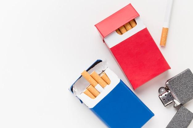 ライター付きタバコのパック Premium写真