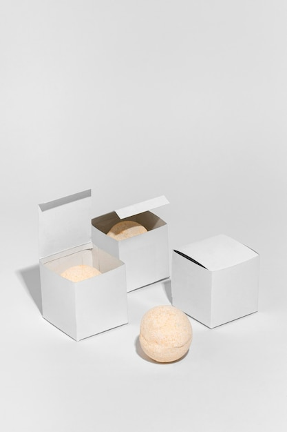 Package for bath bombs on white background Free Photo