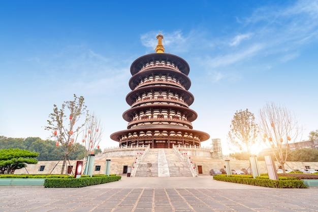 Pagoda in the sui and tang dynasties national historical park, luoyang, henan, china Premium Photo