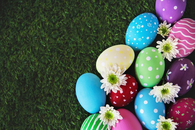 painted-colorful-easter-eggs-background-