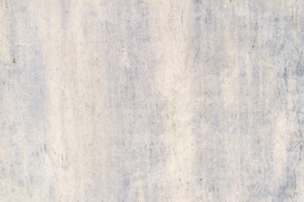 Dipinto in viola vecchio metallo incrinato sfondo arrugginito. Foto Gratuite