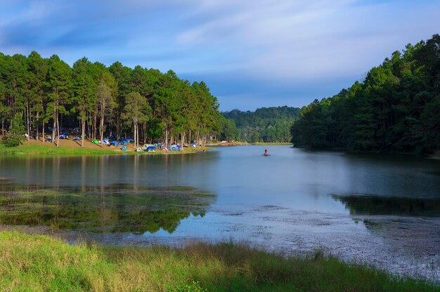 Pang oung lake (pang tong reservoir). Premium Photo