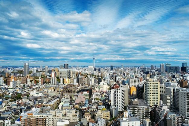 日本の東京の街並みのパノラマ。 無料写真
