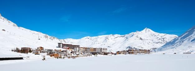 Vista panoramica del villaggio di tignes in inverno, francia. Foto Gratuite