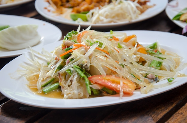 Papaya salad crab Premium Photo