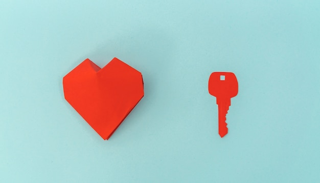 Paper Cut Of Key For Heart As A Symbol Of Love Photo Free Download
