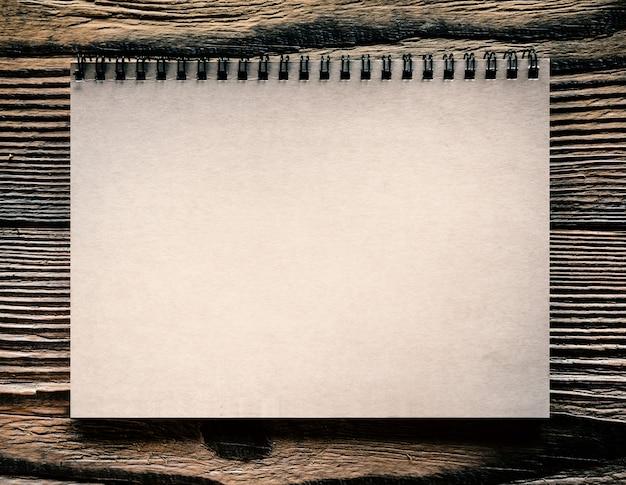 分離された紙スパイラルノート Premium写真