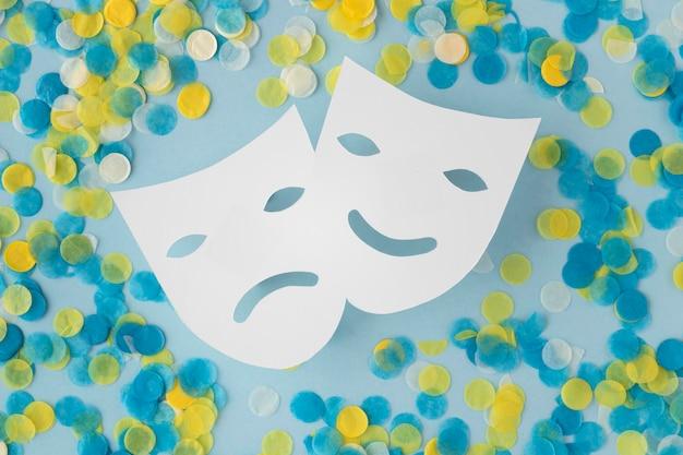 퍼레이드 마스크 및 액세서리 및 연극 마스크 프리미엄 사진
