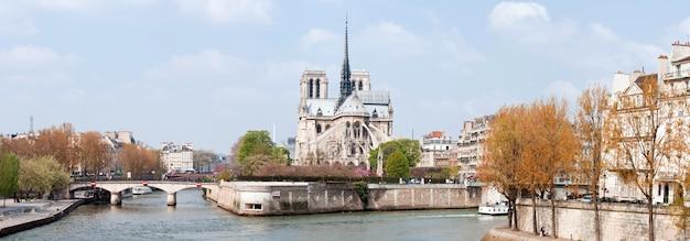 Paris cathedral notre dame panorama Premium Photo
