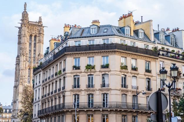Paris streets Premium Photo