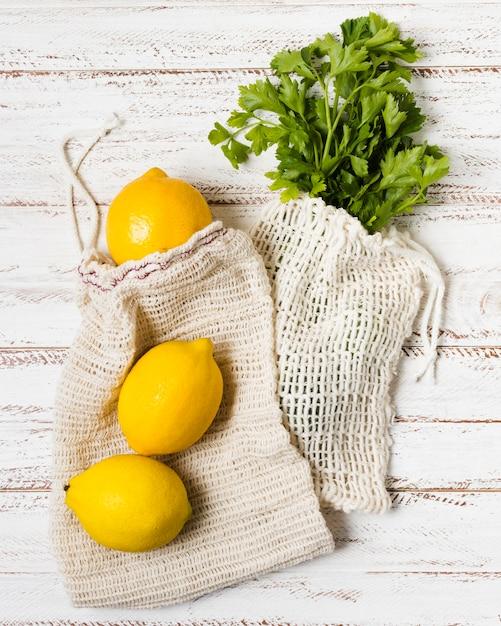 Петрушка и лимон для здоровья и расслабления Бесплатные Фотографии