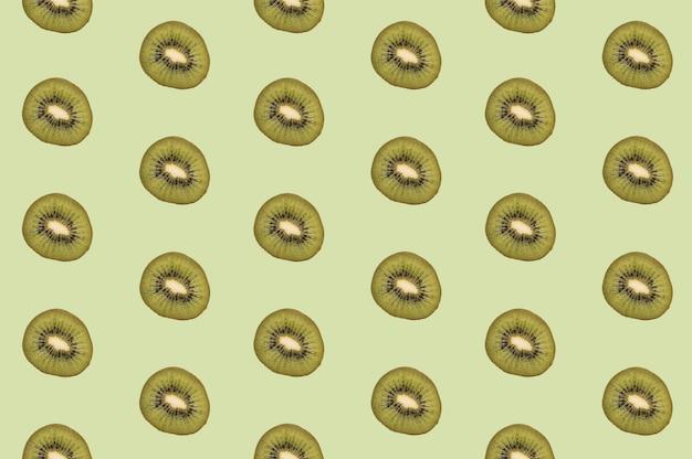 Pattern of tasty kiwi fruit pieces Free Photo