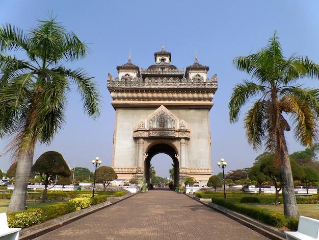 Patuxai or the gate of triumph Premium Photo