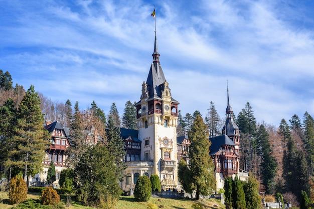 Peles castle in romania Premium Photo