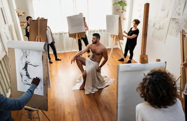 People attending art drawing class Premium Photo