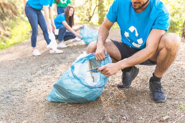 Resultado de imagen para collecting trash