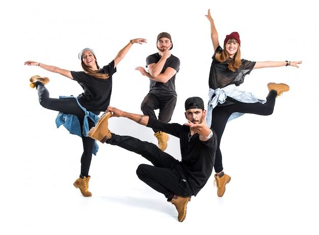 Люди танцуют уличный танец Premium Фотографии