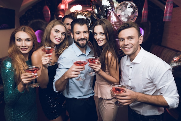 People drink cocktails and have fun they are having fun Premium Photo