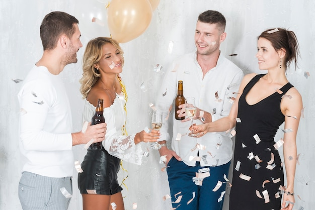 People drinking alcohol on party Free Photo