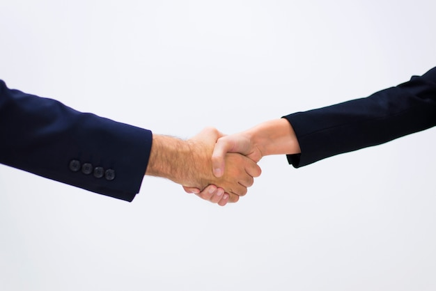 People shaking hands Free Photo