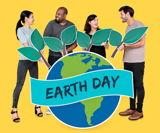 People supporting environmental conservation on earth day Free Photo
