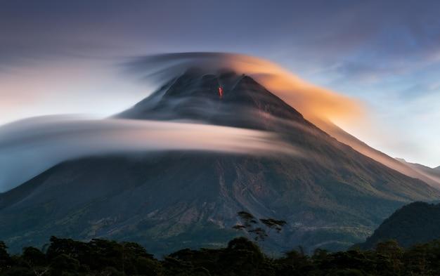 gunung tertinggi di jawa