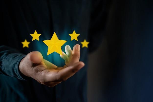 Person giving positive review for client's satisfaction surveys Premium Photo