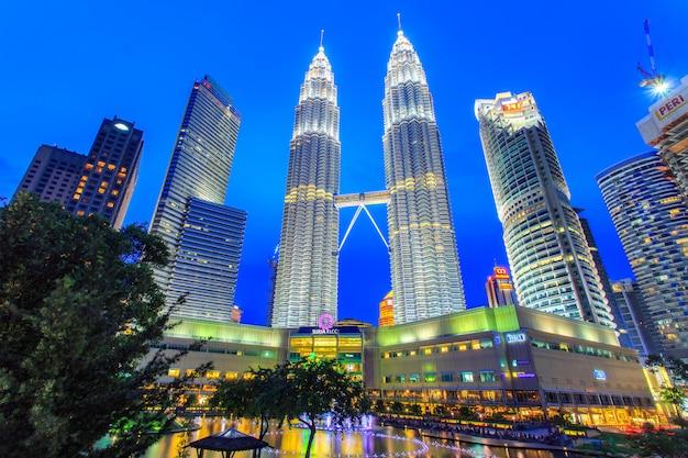 Petronas towers Premium Photo