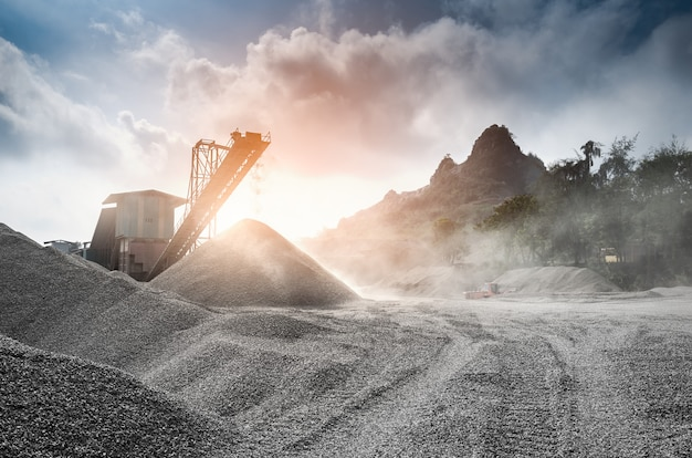 Phosphate mine with processing mill Premium Photo